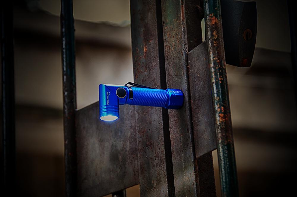 轻量便携,角度可控│耐朗B74强光转角磁吸手电体验
