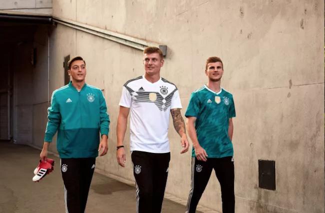 复古风和运动时尚有多火?看看阿迪达斯和彪马的世界杯战袍就知道了