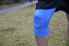 给受伤的膝盖加个战甲,羚途康复系列护膝